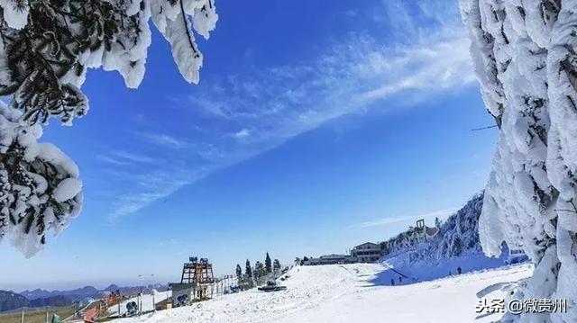梅花山国际滑雪场位于梅花山国际生态休闲旅游度假区.