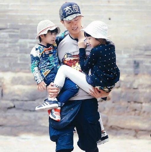 一生只爱一人是吴尊家传统?他母亲去世16年后父亲依旧保留着婚床