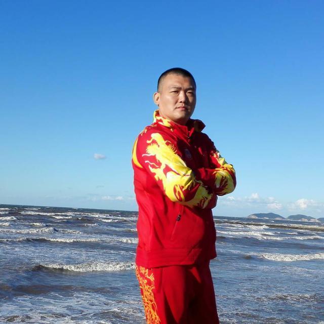 亚洲拳击新年有望全面崛起,张君龙帕奎奥两大拳王全力出击!