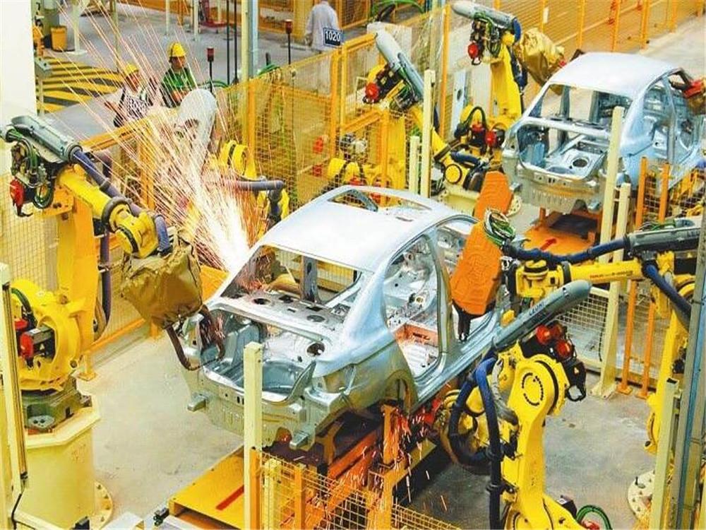 焊接机器人自动化生产线在汽车摩托车行业替代人工作业