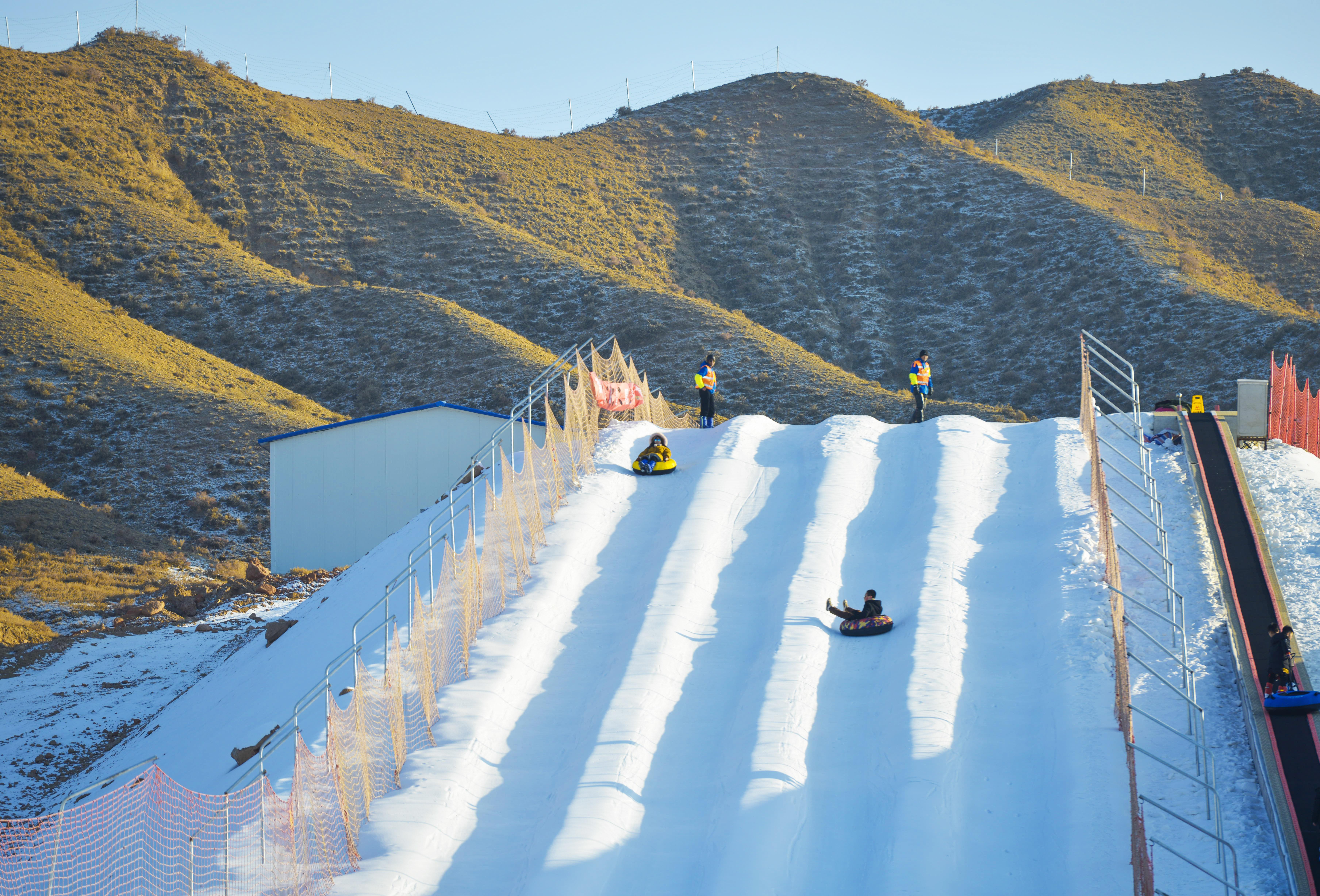 甘肃黄河:白银石林边上的滑雪场,是样的?新疆旅游攻略图片