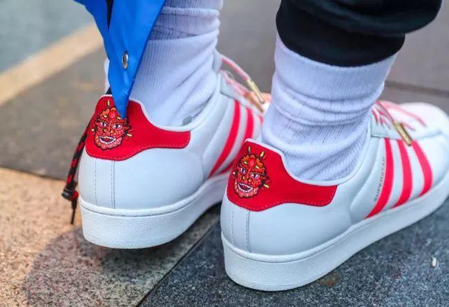 呼之欲出的年味气息!adidas CNY 系列