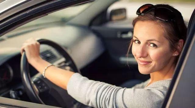 若何用英语表达乘坐各类交通东西?