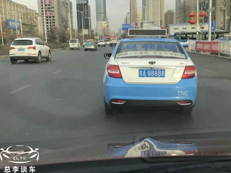 西北首辆兰博基尼SUV挂牌AQ8888变身从3万面包车变兰博基尼_广东