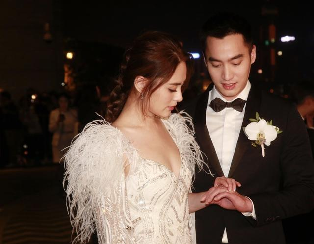 钟欣潼接受老板杨受成建议不急生育以赚钱为主大赞婆婆从不逼生