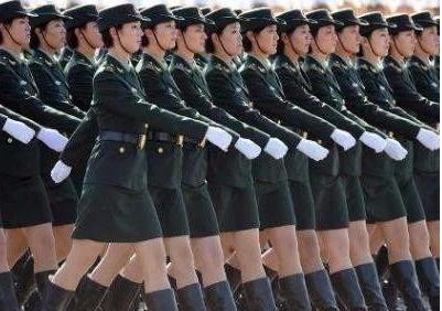 女兵阅兵视频