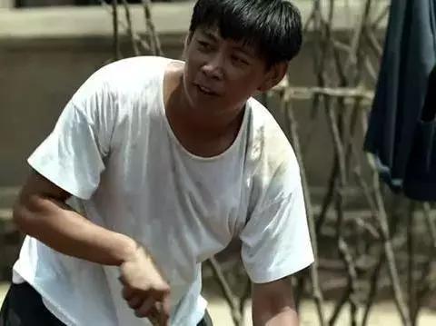 《大江大河》中做人憨厚的他,是个星二代,总跟着爸爸到处演戏