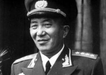 这位开国大将,跟毛主席关系最为要好,晚年为何却客死异国他乡?_罗瑞卿