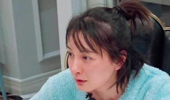 吴昕称跨年节目被砍是致命打击 台下一直痛哭不自信