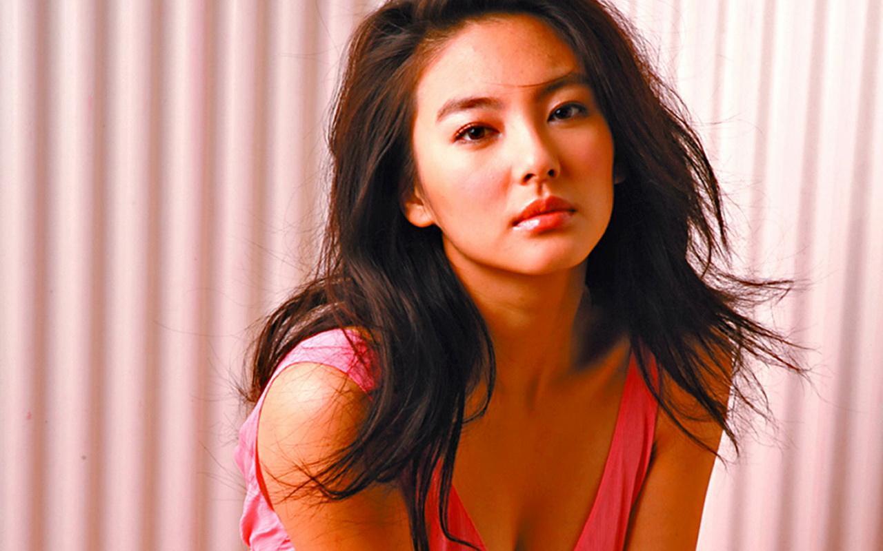 张雨绮昔日谈爱情观:赞同女生同时与多个男生交往,青春期那么短