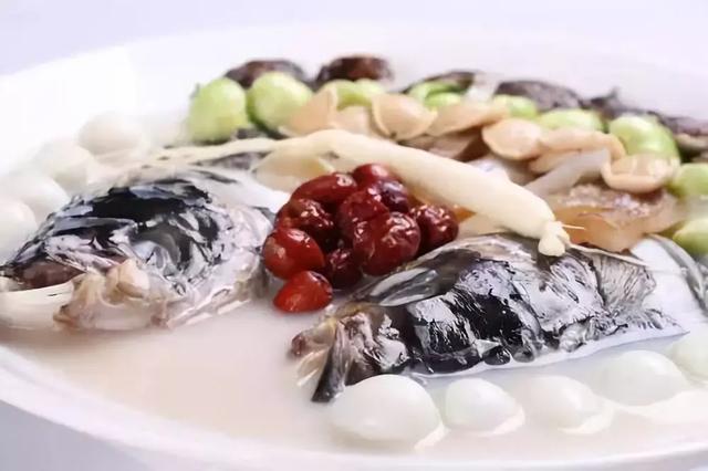 以鲜虾,青椒,红椒,料酒,洋葱,老姜,葱,生抽,盐,原料为香草v青椒.什么鱼鱼籽多sai有刺图片