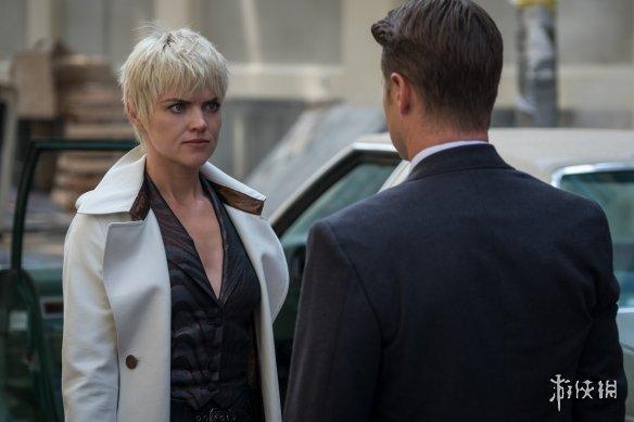 五季最新剧照 戈登 芭芭拉对峙街头