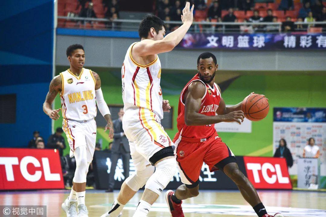 90不敌广州,同曦遭遇三连败。