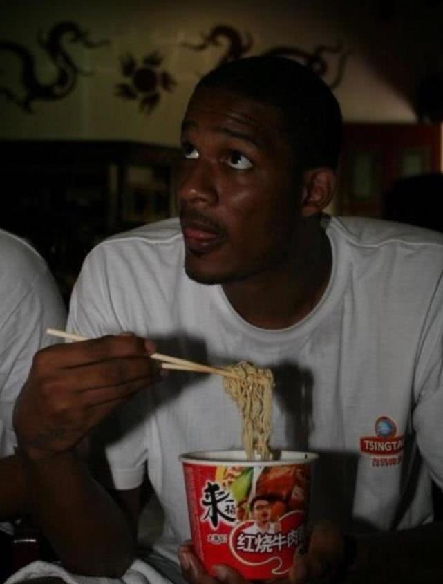 NBA中谁的筷子用得最好?姚明去NBA,果然传播了