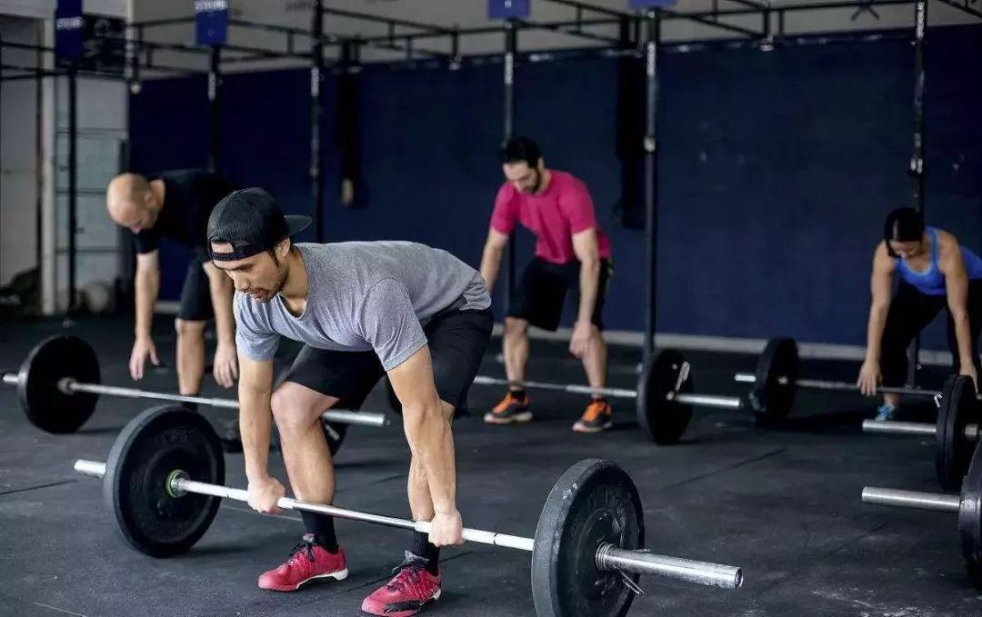 肌肉锻炼计划表_中国男性硬拉实力表遭曝光,你拖后腿了吗?