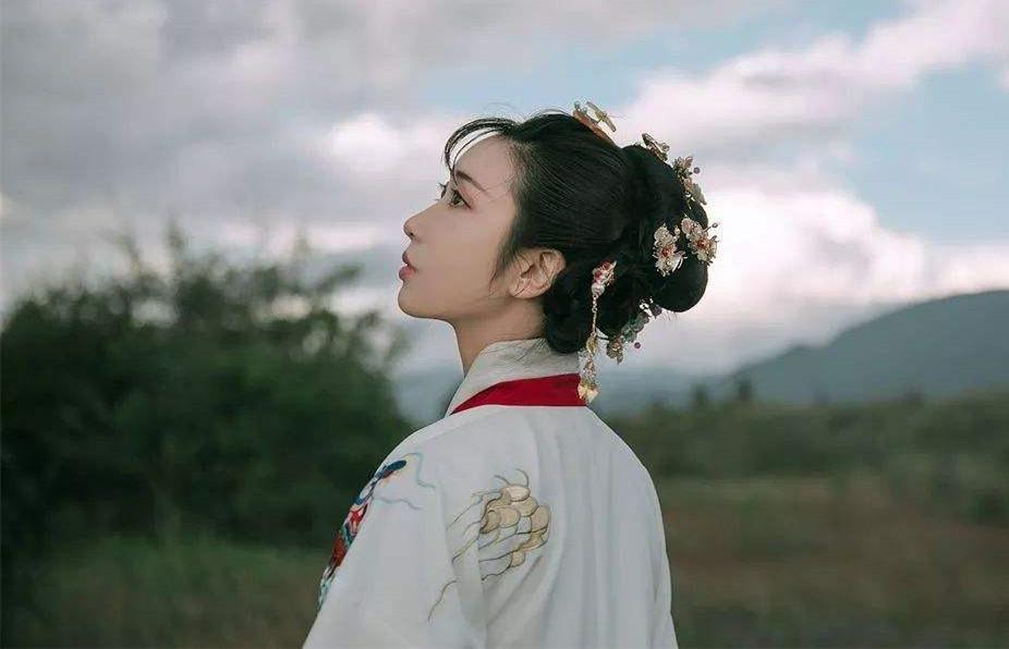 明代第一奇女子,:朱棣为其空悬后位17年,她却跑去当尼姑_徐妙锦