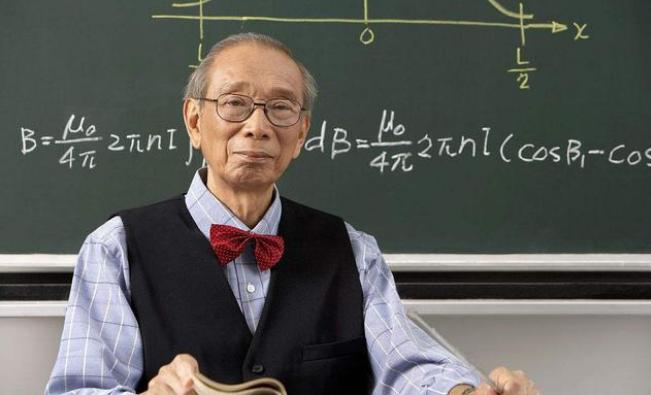 你觉得中学所有学科中,哪一个学科的老师最辛苦?