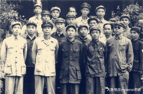开国上将力主解放海南,手下参谋长却因畏敌而砸脚自伤,以逃避渡海作战