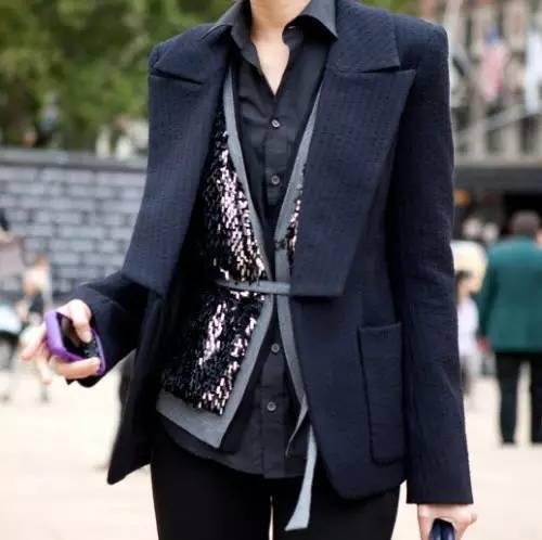 上班穿得太单调 如何穿更加自信好看?