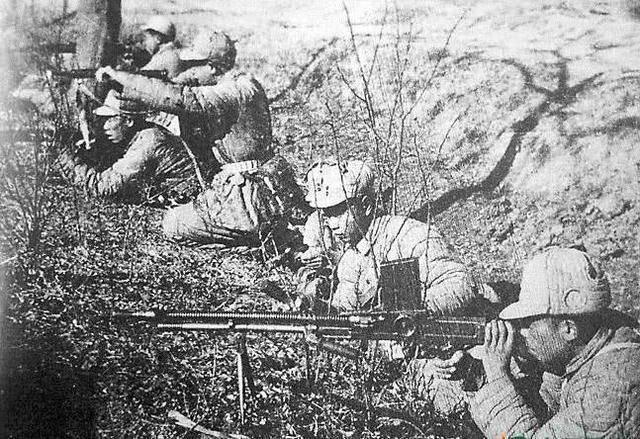 粟裕手下最能打的五人,对敌人同时发起进攻,打了三天,却没进展