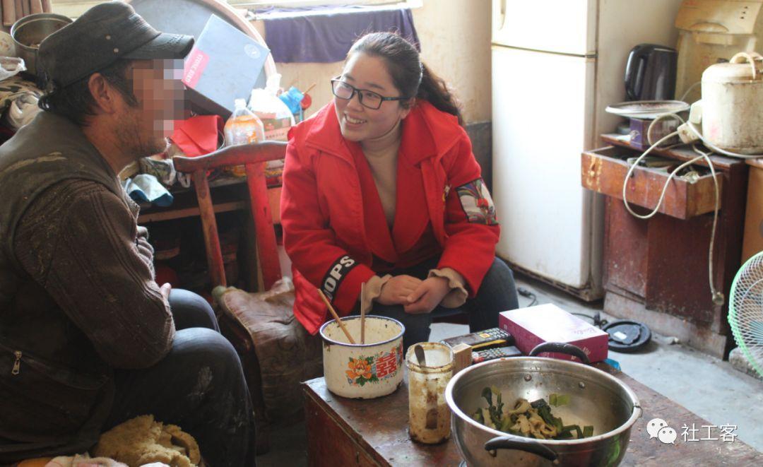 从绝望到重生:社工介入低保家庭突发危机案例分享