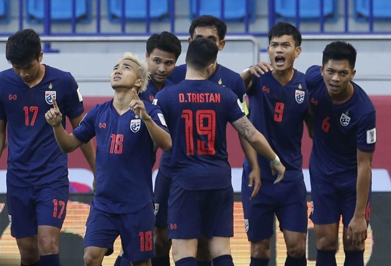 """亚洲杯现""""内马尔滚""""!泰国验证足坛经典定律,巴林得势不得分"""