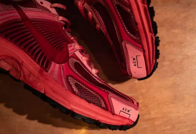 扎染做旧既视感!两双全新 ACW x Nike Vomero 实物细节曝光
