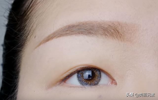 眼角怎么画眼线好看图片