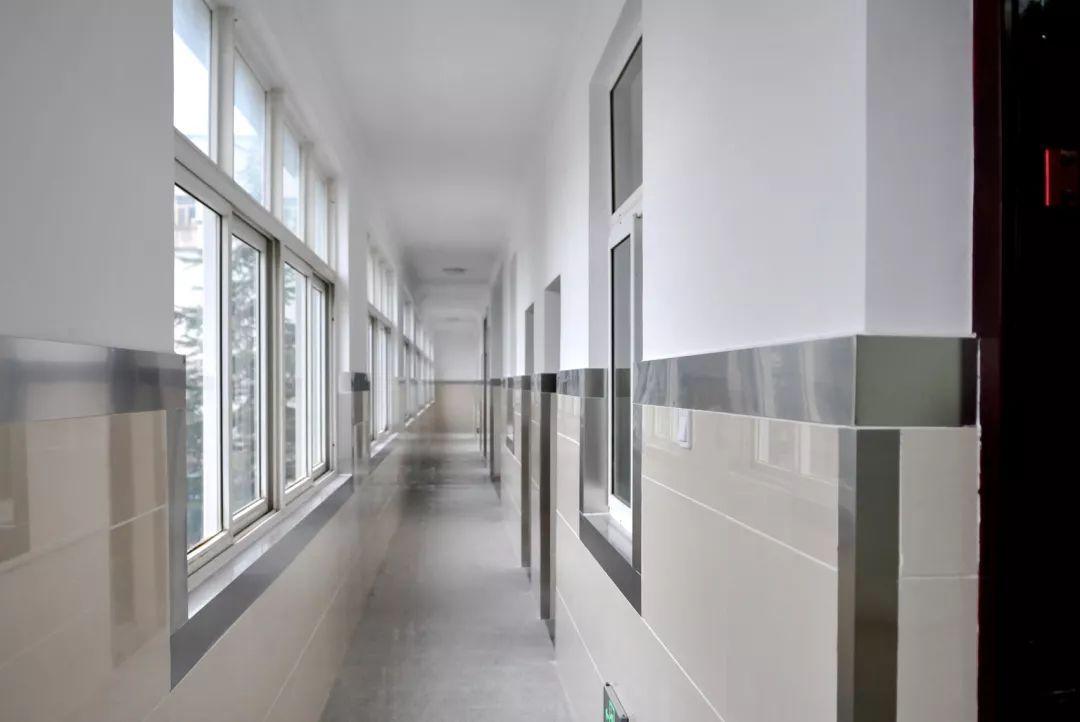 炼钢厂检修车间等处共12个休息室改造出新.办公室装修设计选择和唐装饰图片