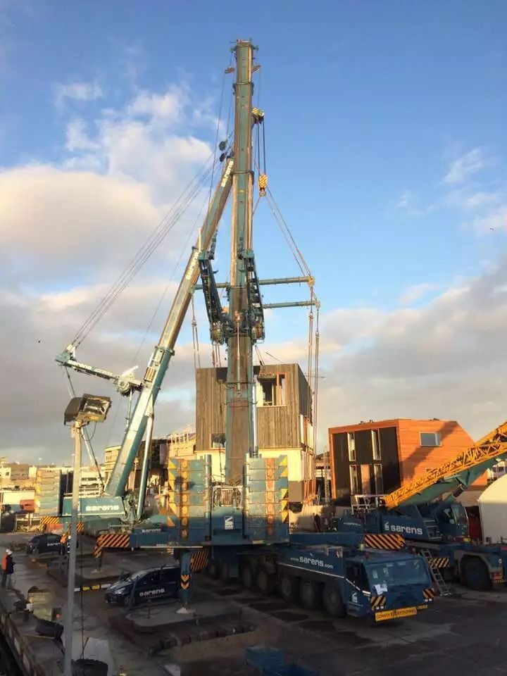 德马格AC700全地面起重机 船屋 吊装炫出色