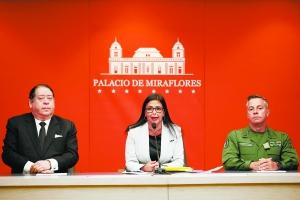 8日,委内瑞拉副总统罗德里格斯中在首都加拉加斯出席新闻发布会.