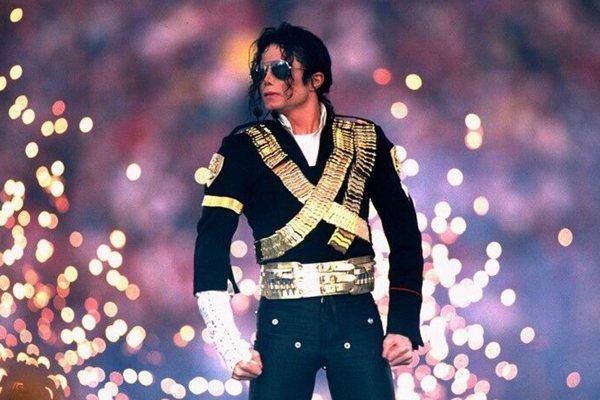 迈克尔.杰克逊娈童事件纪录片将映,MJ家属谴责消费逝者