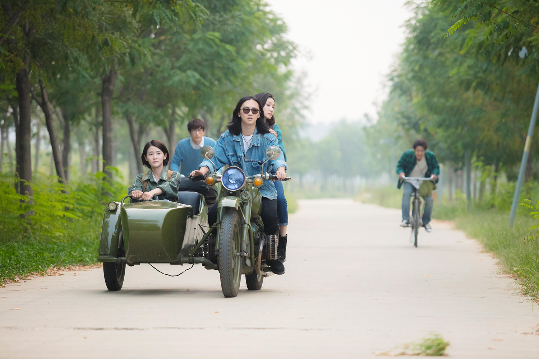 《我的青春也灿烂》:看北京顽主们九零年代的灿烂青春!