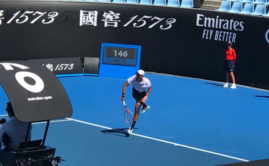 澳网资格赛:张择错失3赛点惨遭逆转,无缘男单正赛,朱琳进正赛