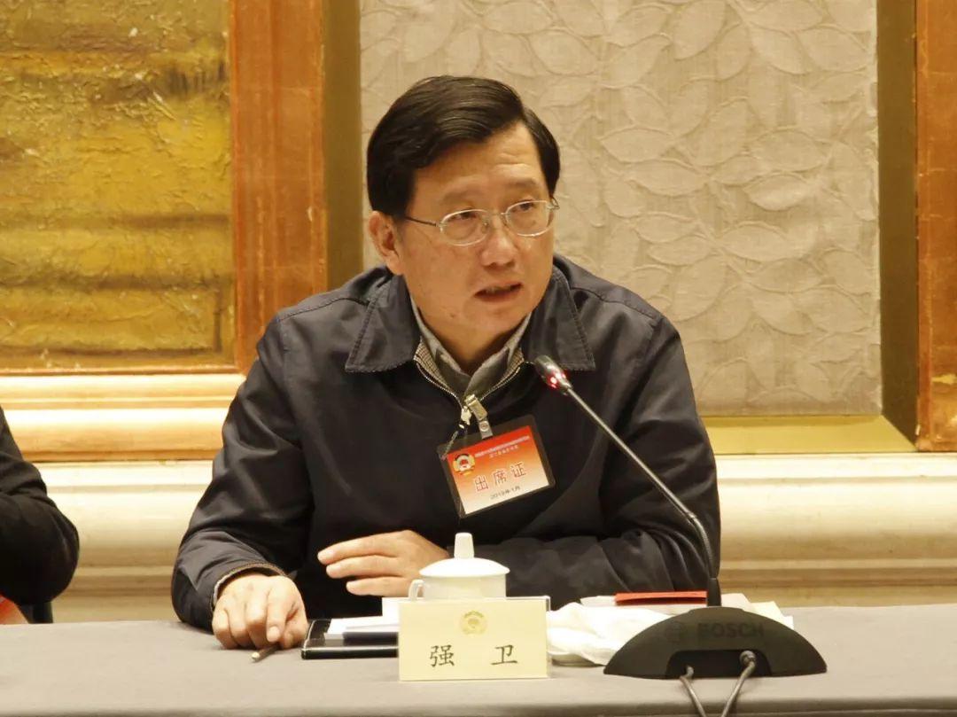 人社部部长尹蔚民回应网民关切