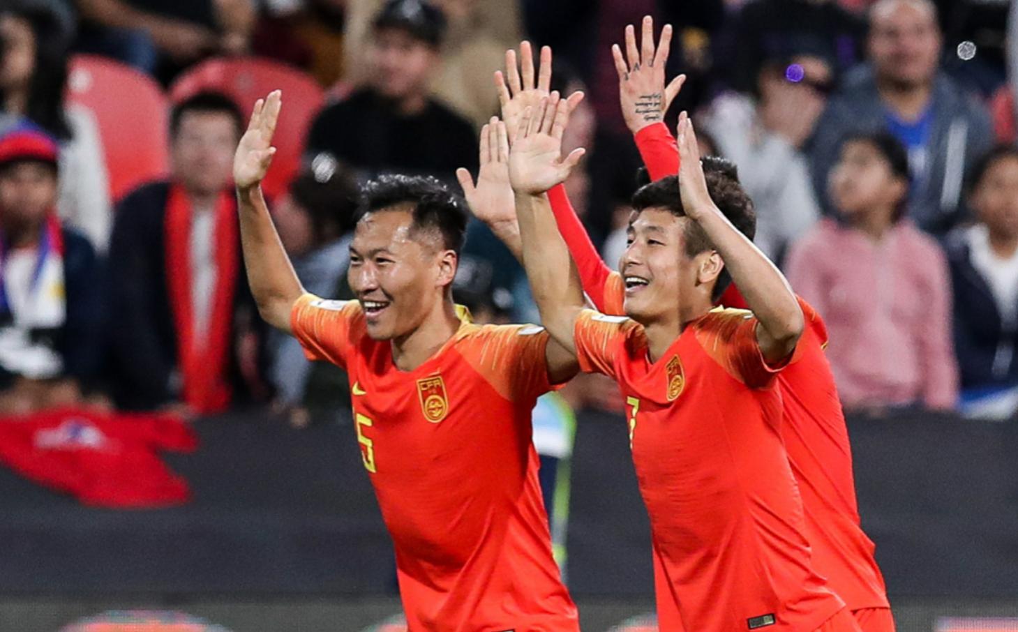 """足球专家呼吁亚洲杯前方记者别再""""泄露""""情报,里皮做对了两件事"""
