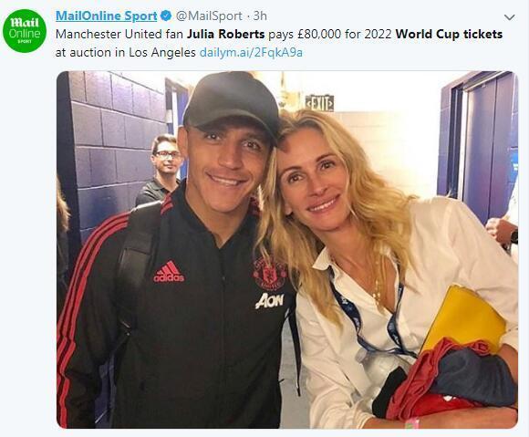曼联球迷罗伯茨做慈善,花8万拍来世界杯门票