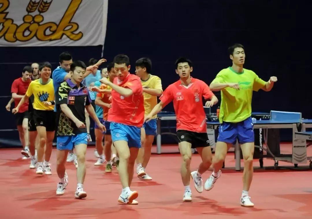 多名国手同场训练,樊振东、梁靖崑狂暴击球掀翻屋顶!