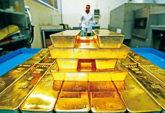 中日俄大幅抛售美债,世界多国运回黄金!美国黄金储备却没变化? 中国抛售美债
