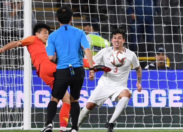 武磊成韩国队最大威胁,2个世界波征服对手,韩媒曾说他徒有虚名