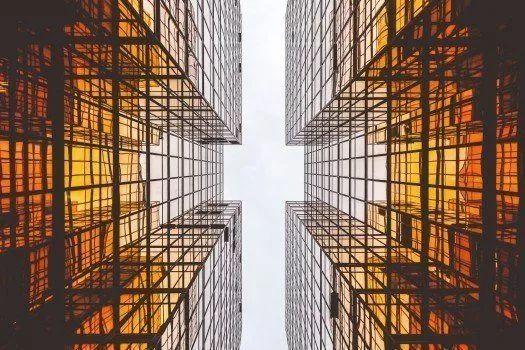 【全國多地房貸利率回落,今年會否有一波集體性下調?】近期市內銀行房貸利率上浮幅度回落