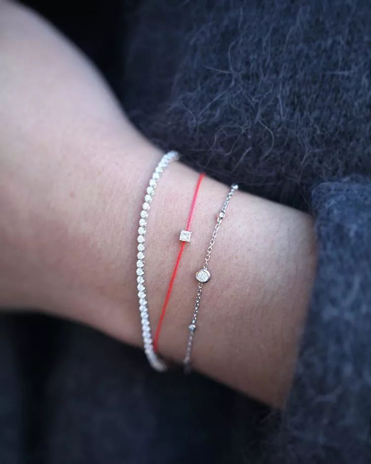比珠宝和腕表还能安抚人心!开年转运小红绳!只需200+