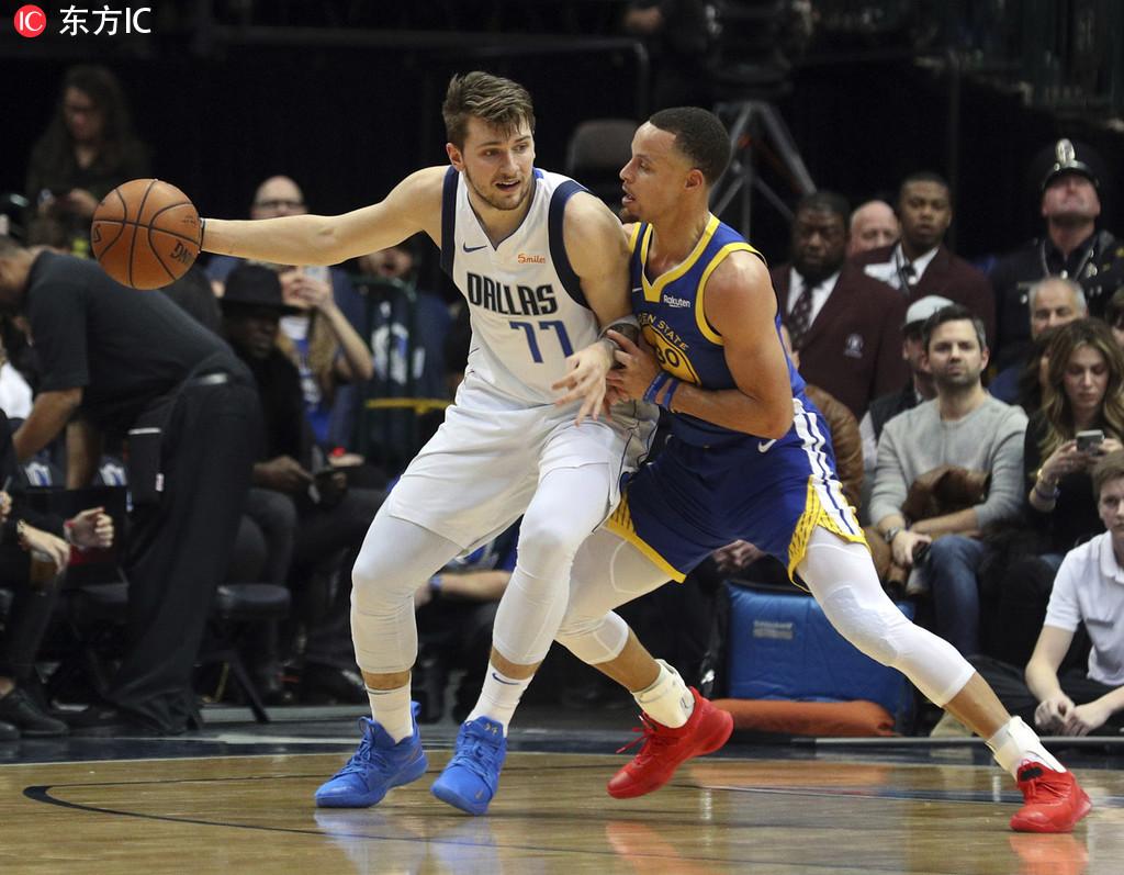 14日NBA球鞋上脚一览:库里11记三分对飙东契奇 NBA新闻 第1张