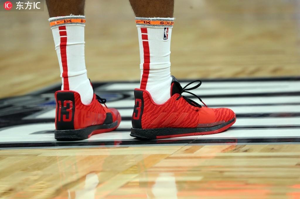 14日NBA球鞋上脚一览:库里11记三分对飙东契奇 NBA新闻 第2张