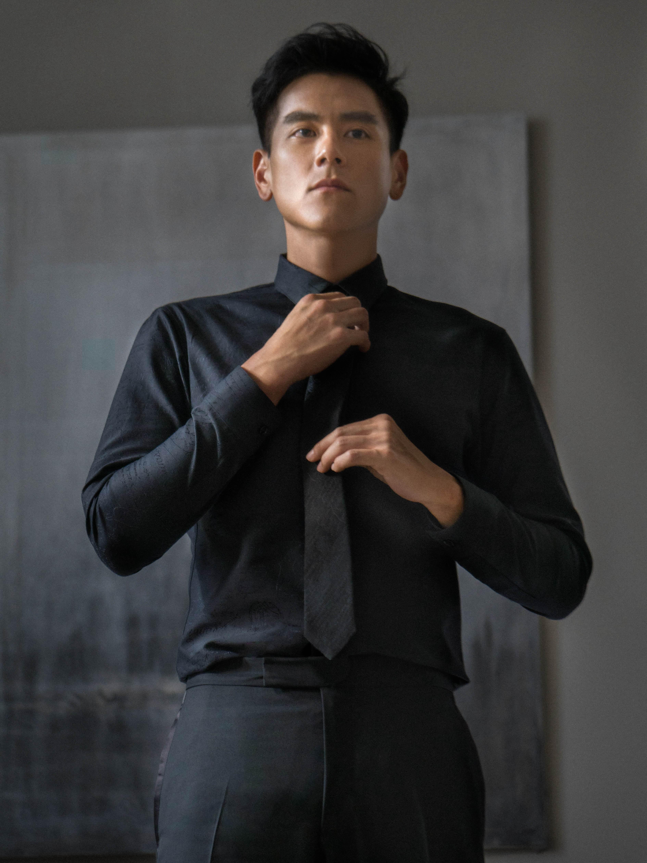 彭于晏斩获巴黎奢华男装品牌代言仅仅靠的是身材好?