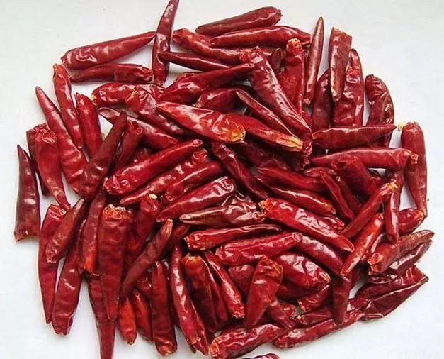 辣椒油怎么炸最香 30年的秘制配方 全家两三天就吃一大罐