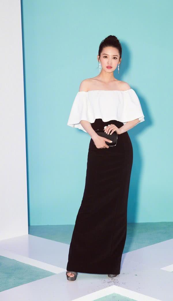 李沁美出新高度,性感冷艳的她太吸引人,网友:真的漂亮
