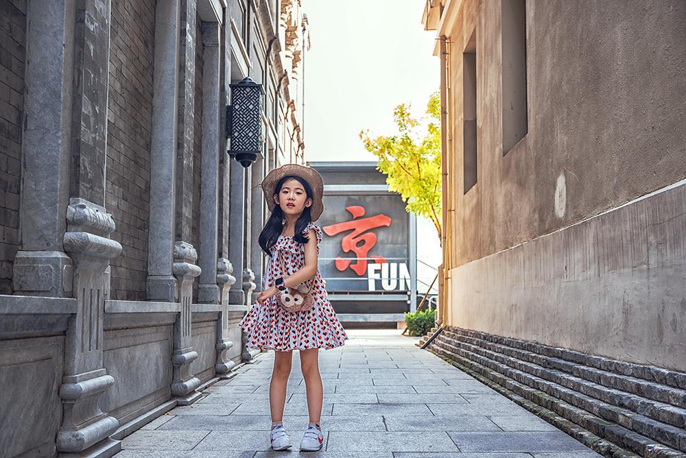 为城市代言!楚天童星时尚地标贺岁街拍热募中!
