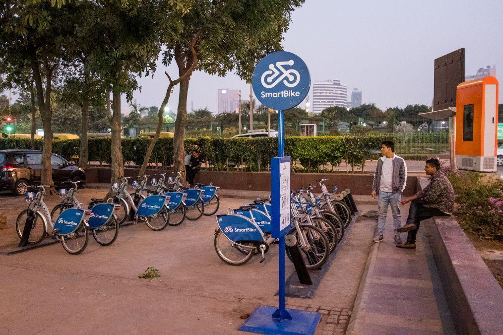 实拍印度街头最新出现的共享单车:前后都有车灯,质量比国内还好