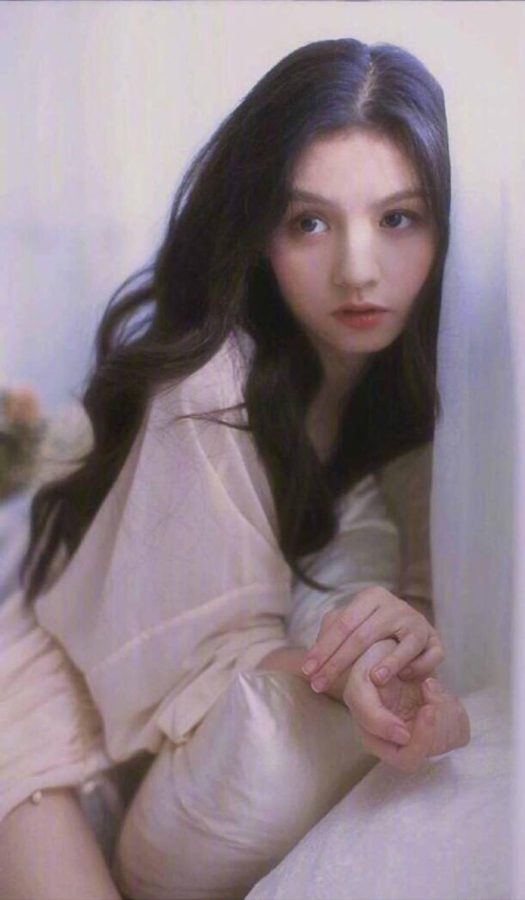 """""""宝藏女孩""""春夏:秋冬太冷,人生不如半醉半醒的好"""